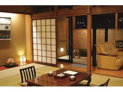 日式房-带露天浴池 (Japanese Style Room with Open-Air Bath)