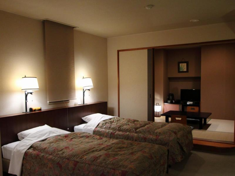 西館 和洋室 禁煙 (Japanese/Western-style Room (West Wing))