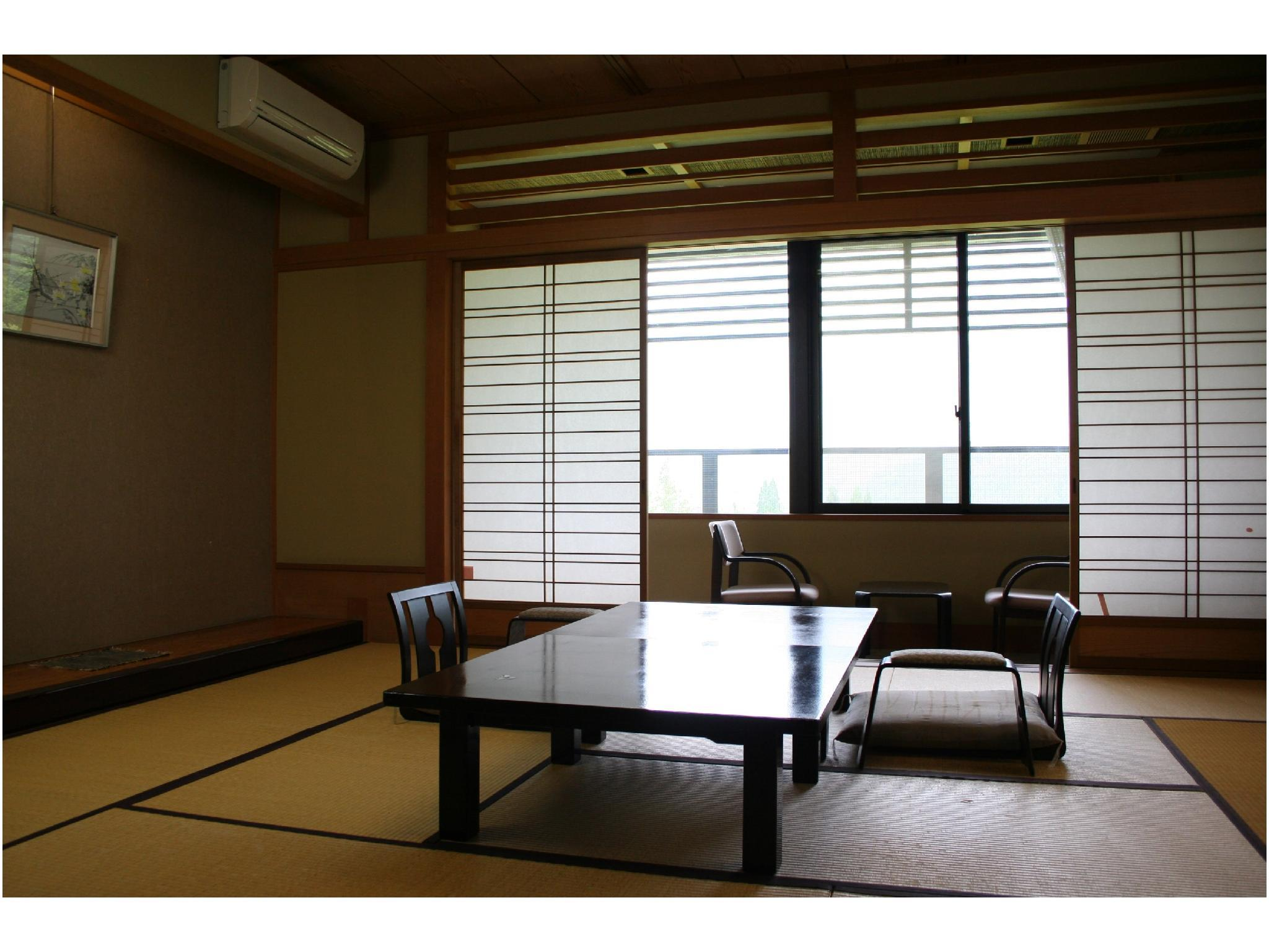 和室10畳+広縁(1~4名)|10畳 (Japanese-style Room with Hiroen Space)