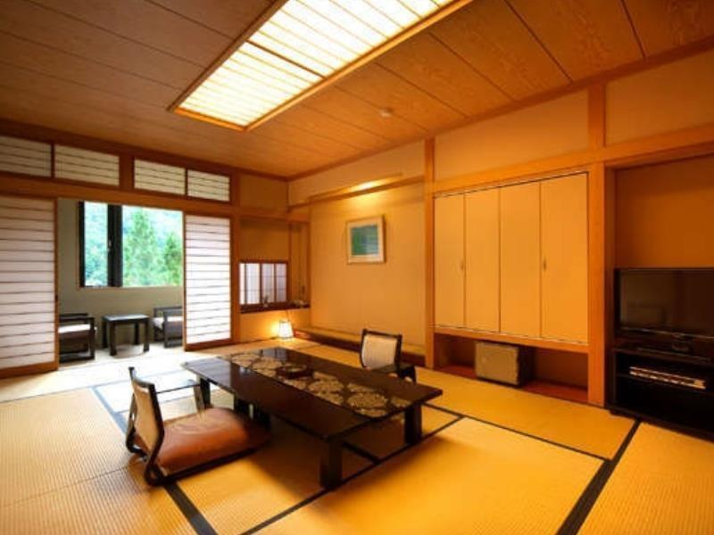 和室 (South Wing Japanese Style Room)
