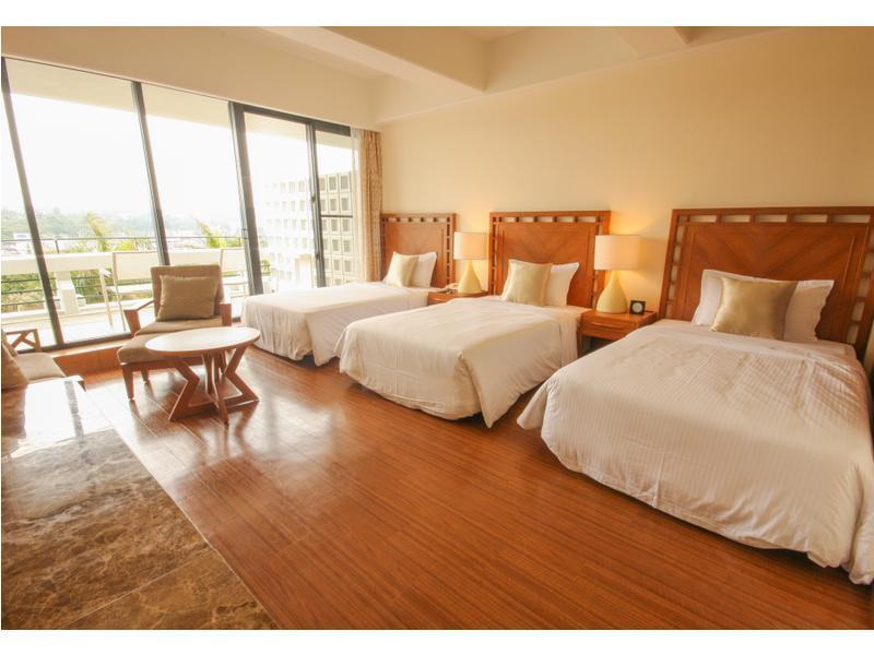 Natural Deluxe Triple Room