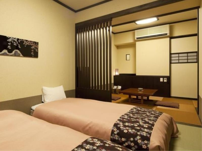 Japanese/Western-style Room (2 Single Beds)