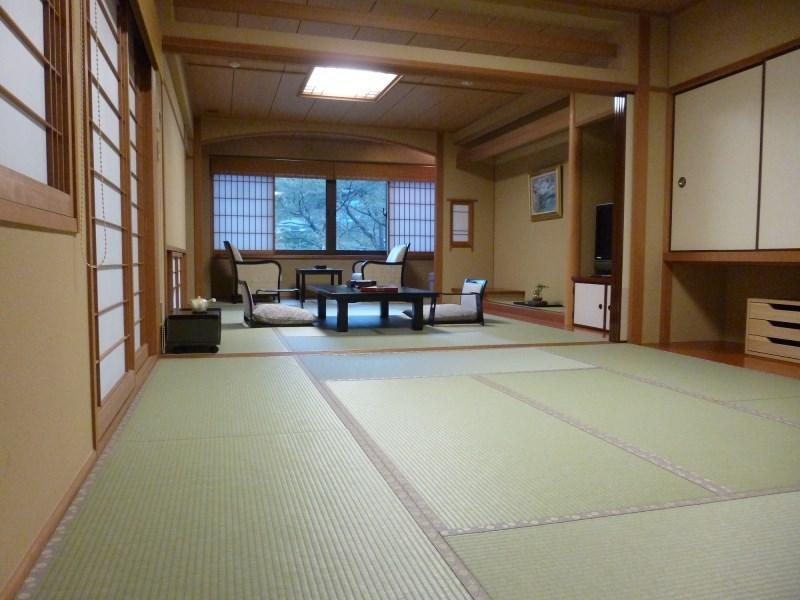 Japanese-style Room with Semi Open-air Ceramic Bath