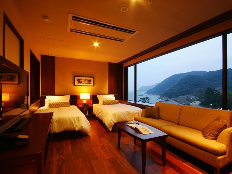 Japanese/Western-style Room (Moderate Japanese/Western-style Room (2 Beds, Nagisa Wing))
