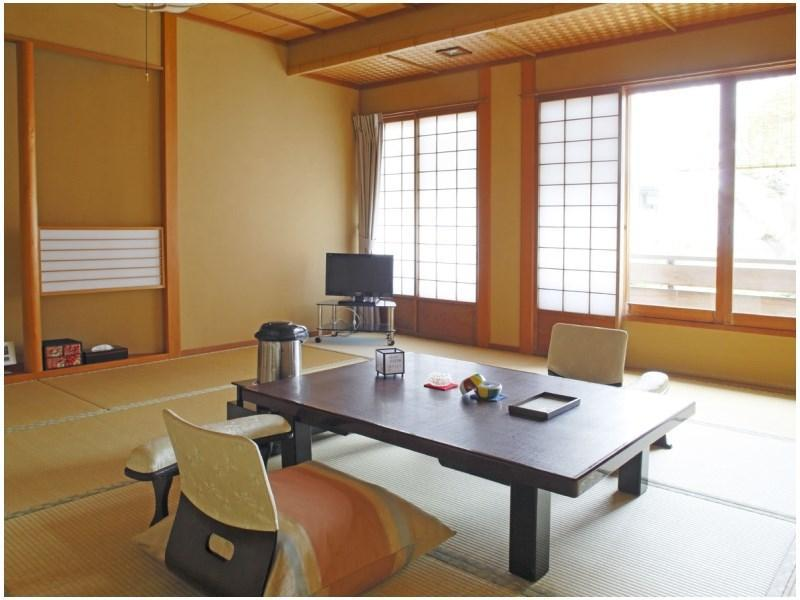 Japanese-style Room with Open-air Bath (15 tatami)