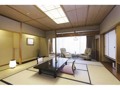 和室 (Japanese-style Room with Massage Chair)