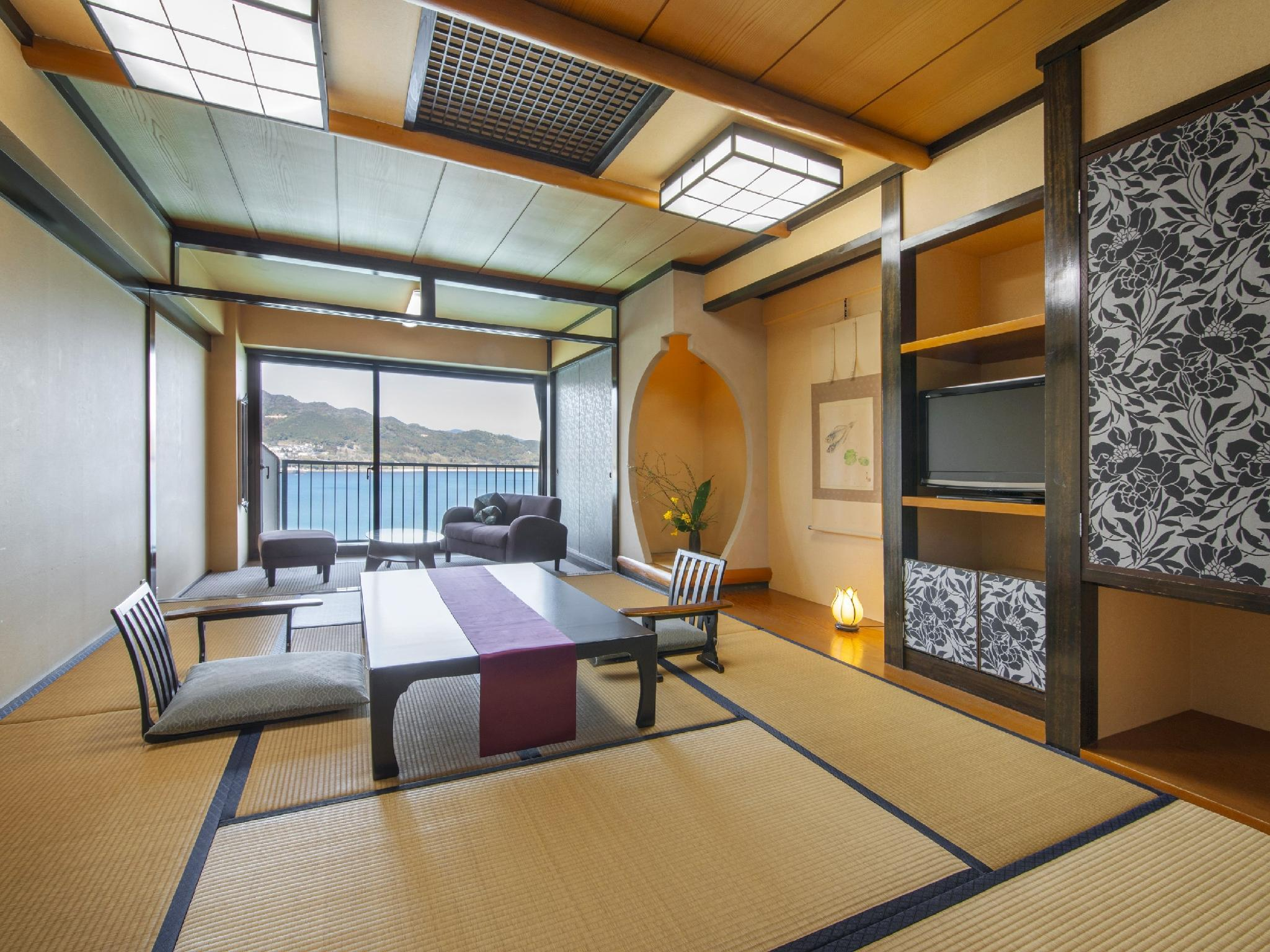 Japanese-style Room (Takimitei Wing)