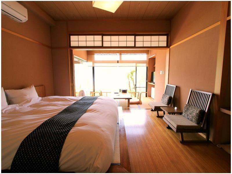 Double Room with Hiroen Space