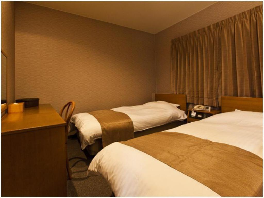 Japanese Western Style Room with Twin Bed - Guestroom Hotel Takasago