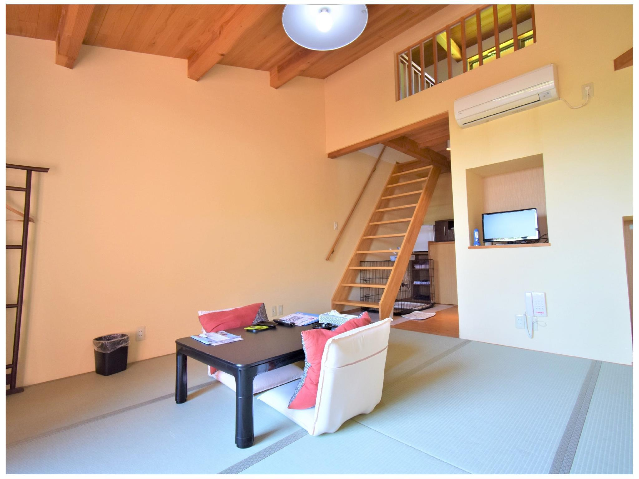 Detached Japanese-style Room (Loft + 2 Beds, Annex)