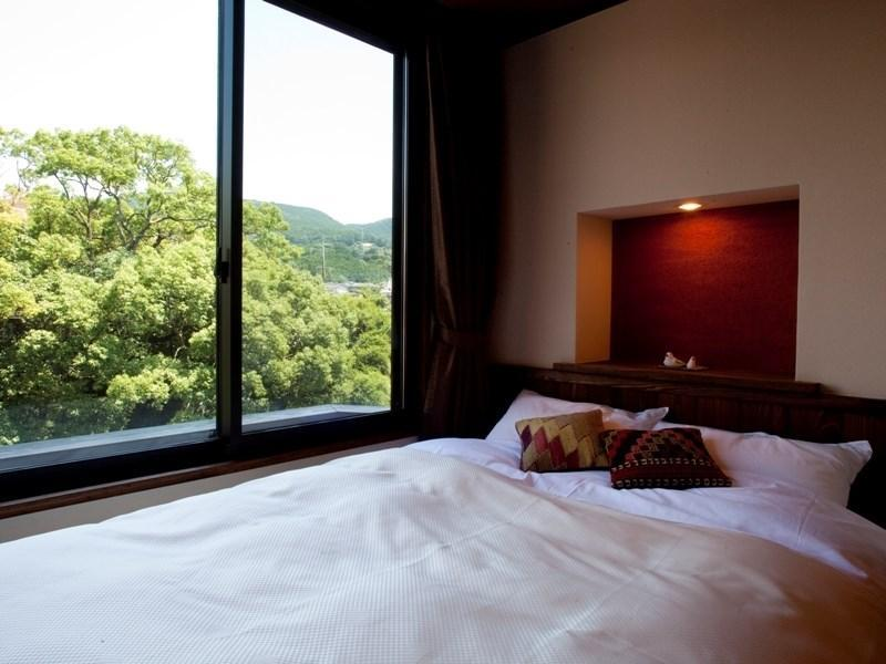 Japanese/Western-style Room with Semi Open-air Bath (Nadesuko Type)