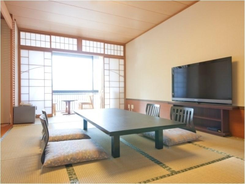 海側和室12畳(バス・トイレあり) (Ocean Side Japanese Room (19.8 square meters) with Bath)
