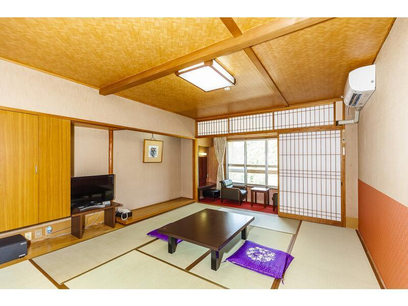 和式房 (Japanese-style Room *Non-smoking from Apr. 1, 2021)