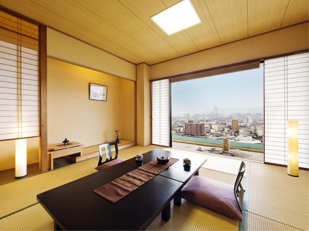 Japanese-style Room with Open-air Natural Rock Bath - Guestroom