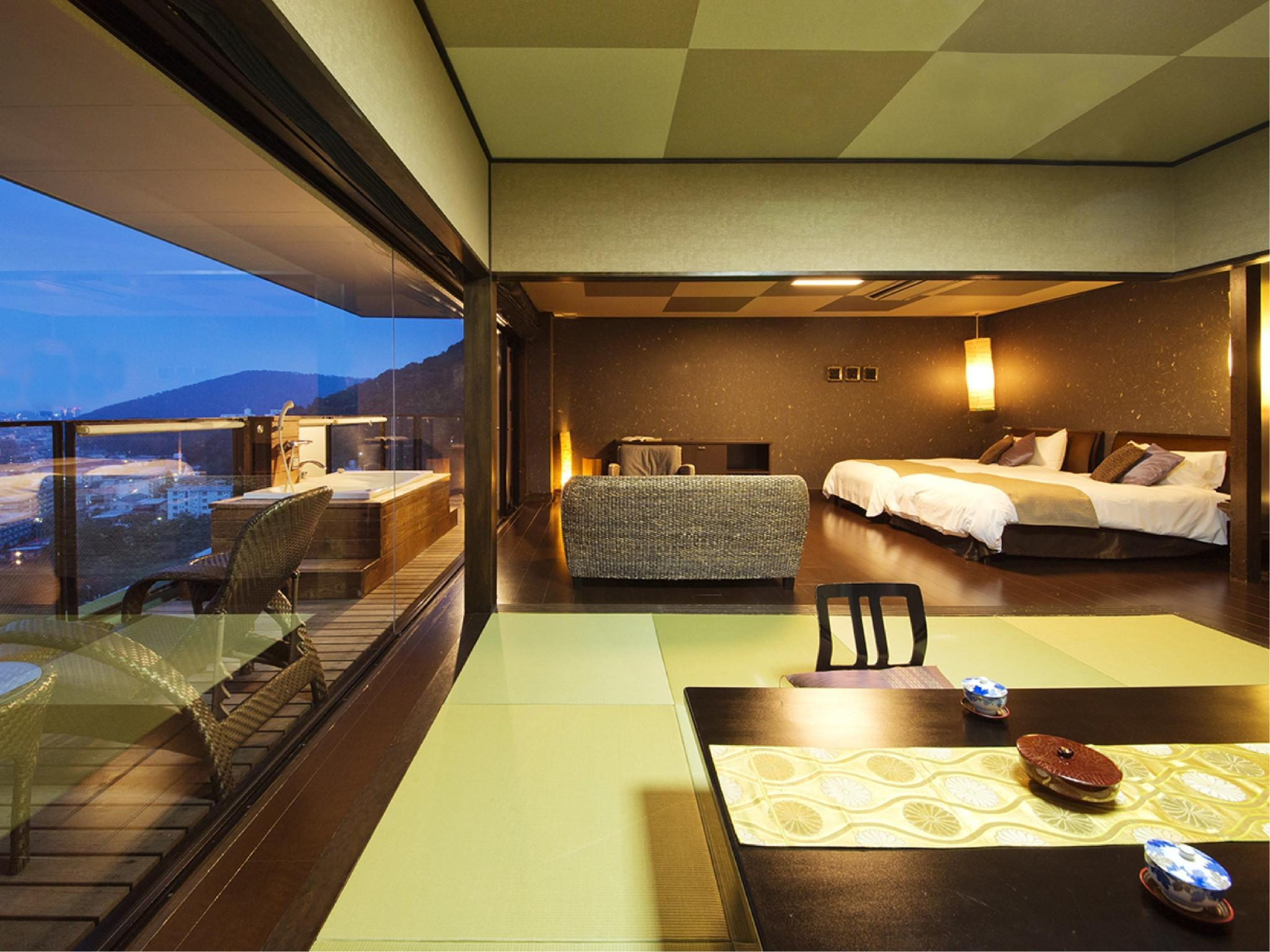 Special Japanese/Western-style Room with Open-air Jacuzzi Bath (Ao-no-Rakuen Type)