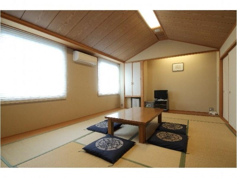 和室8畳◆羽毛布団|8畳 (Japanese-style Room with Down Futon)