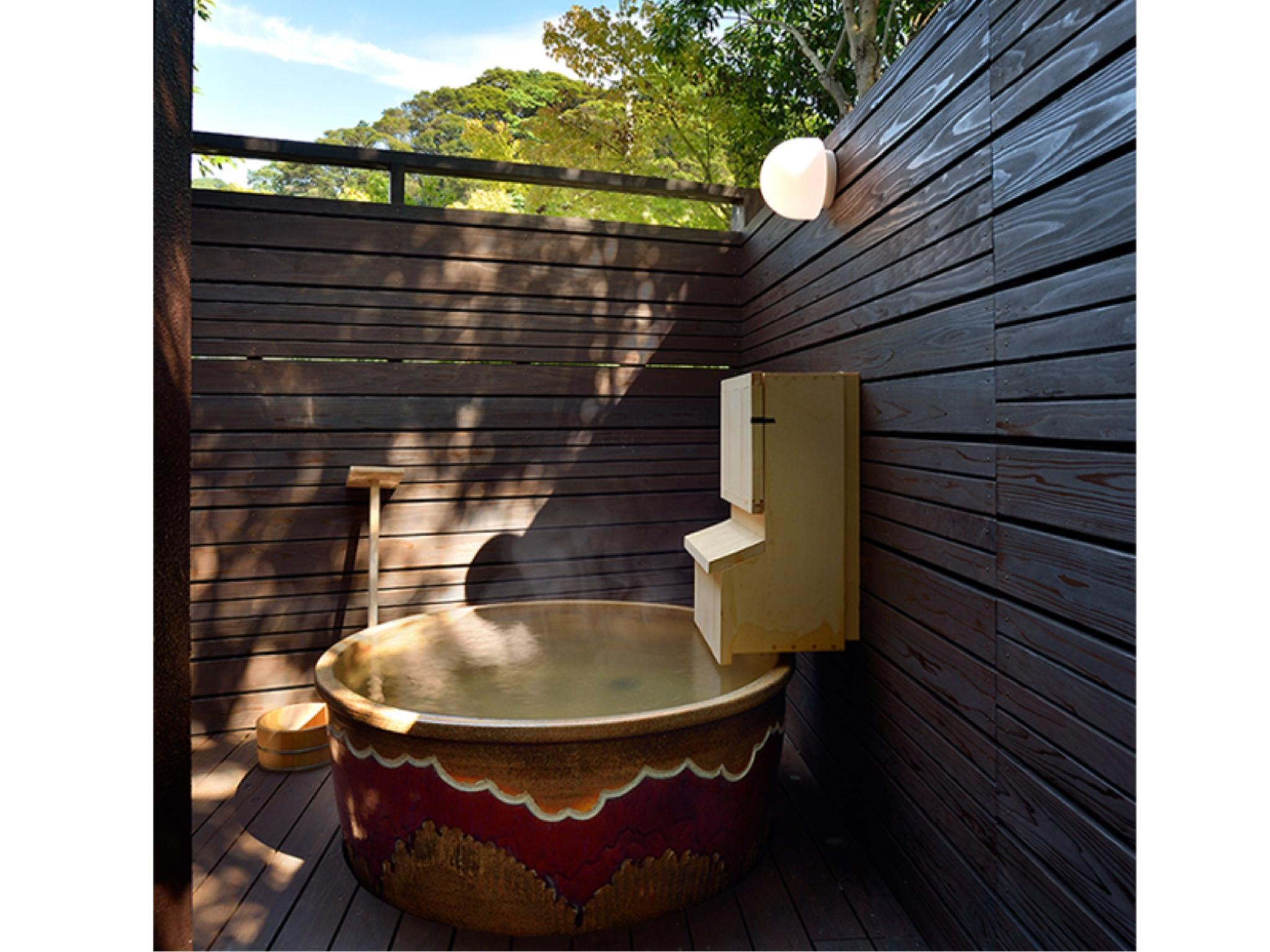Japanese/Western-style Room with Open-air Ceramic Bath (Seri Type)