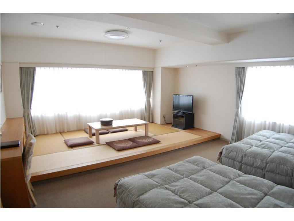 Japanese/Western-style Room (South Tower) - Guestroom
