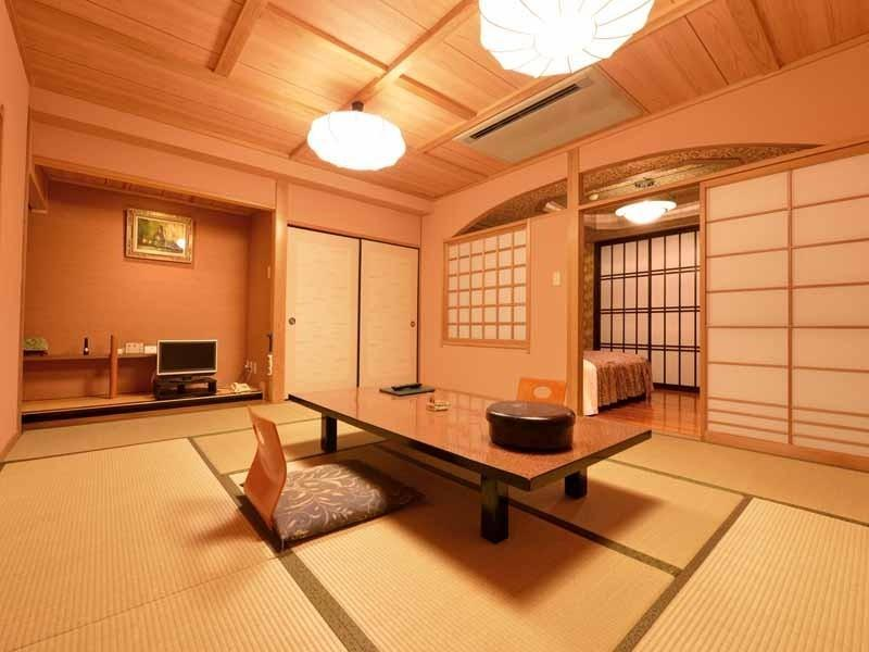 和洋式房 (Japanese/Western-style Room with Scenic View Open-air Bath)