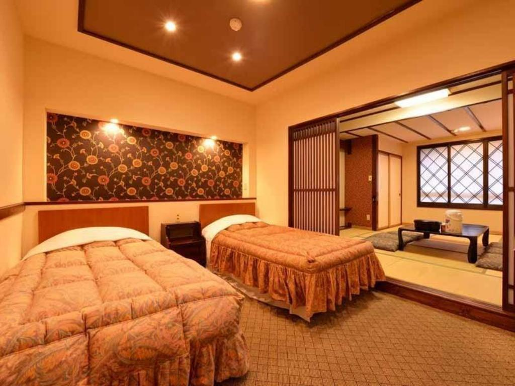 Connecting Room (Japanese-style Room + Western-style Room) - ห้องพัก