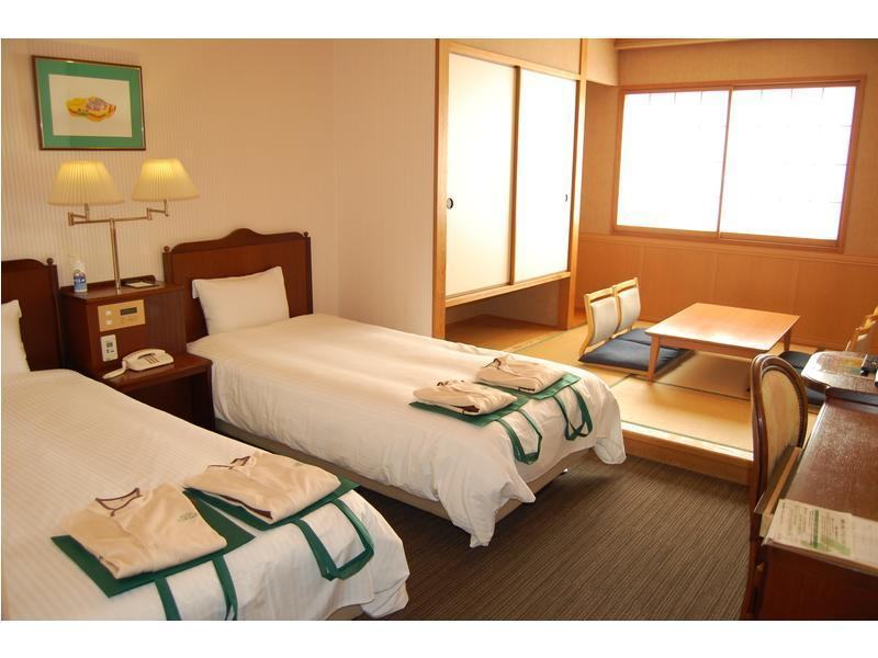 다다미 침대 객실(별관/2베드) (Japanese/Western-style Room (2 Beds, Annex) *Non-smoking from Apr. 1, 2021)