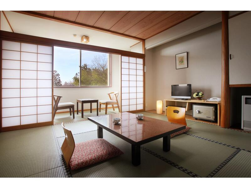 東館 和室  (Japanese-style Room (East Wing))