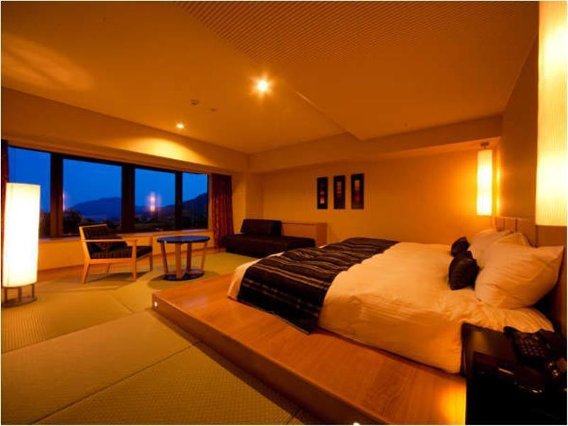 Superior Modern Japanese-style Room (Ocean View)