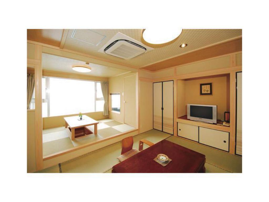 Japanese-style Room with Ceramic Bath - Guestroom Hotel New Matsumi