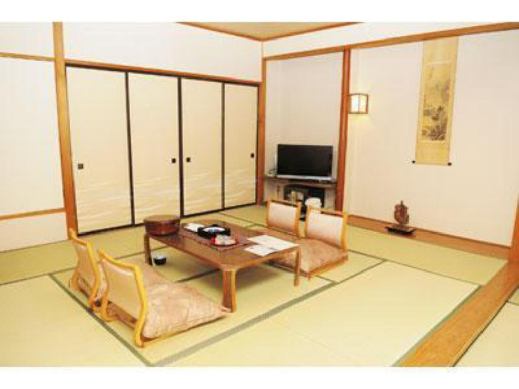 Japanese-style Room *Mountains may not be visible or only partially visible from some rooms - Guestroom Hotel Sansuiso (Tsuchiyu Onsen)