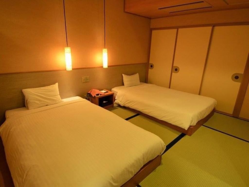 Special Room (Japanese-style Room + Japanese-style Twin Room + Living Room) - Guestroom
