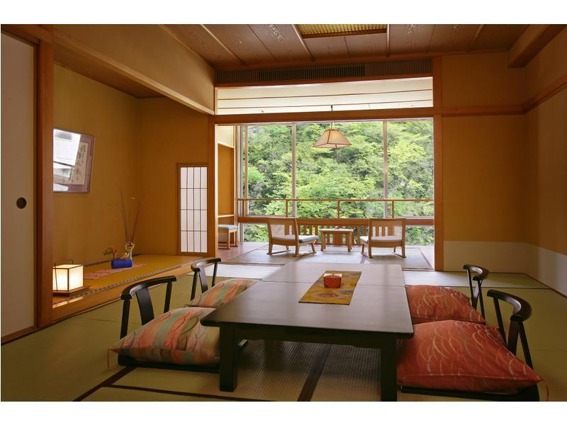 Japanese-style Room (Seiryu-kan Wing)