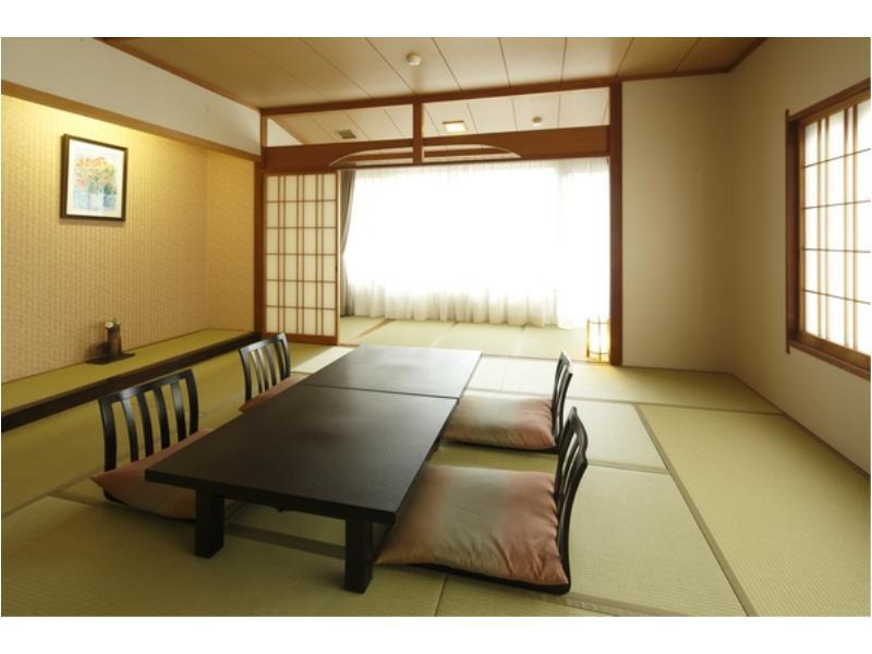 西館 包角和式房 (Corner Japanese-style Room (West Wing))
