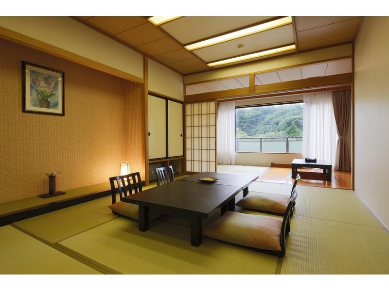 和式房+寬走廊+日式凹桌 (Japanese-style Room with Hiroen Space & Sunken Kotatsu)