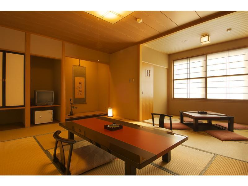 本館 和室  (Japanese Style Room Main Building)