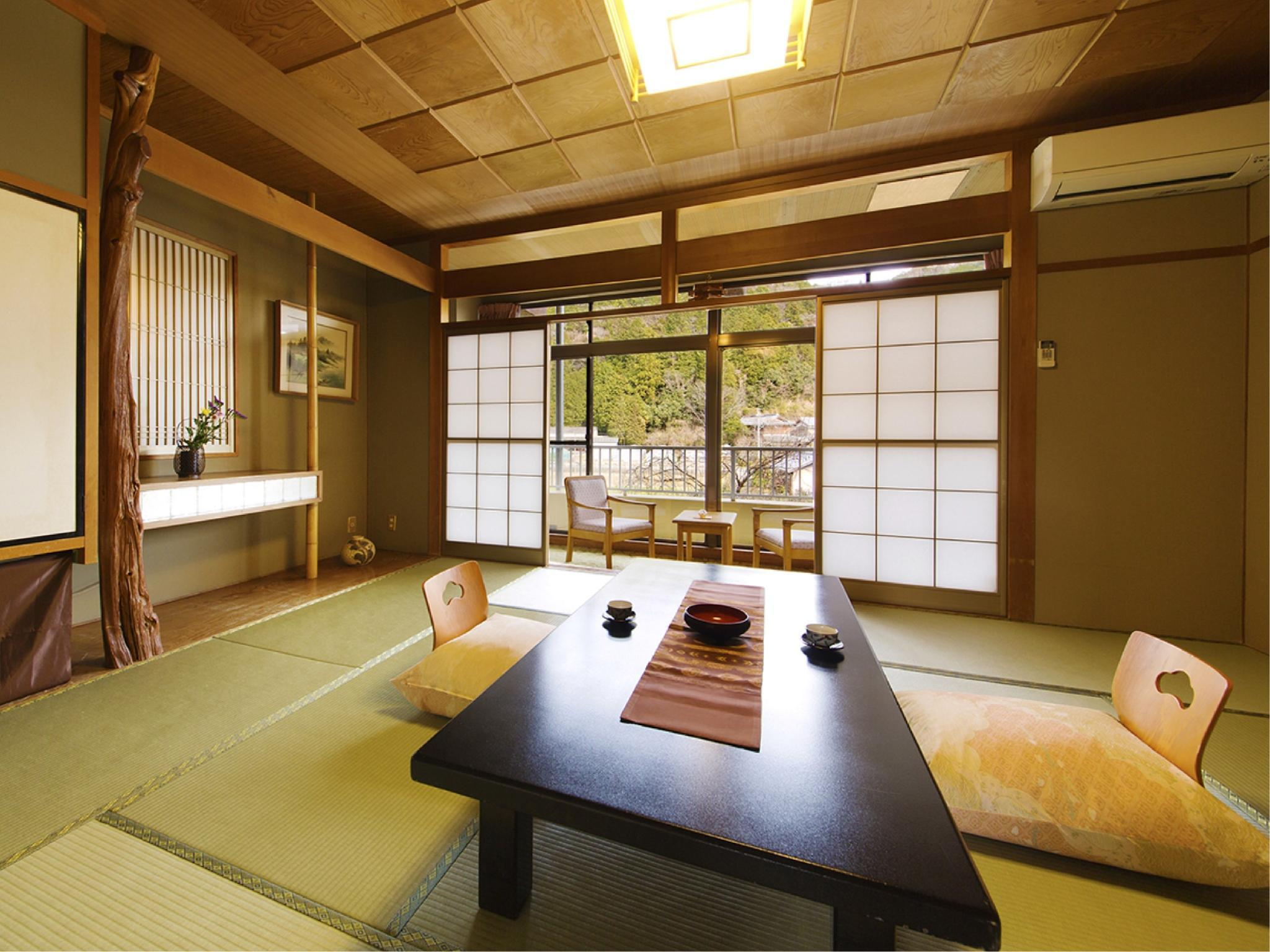 【スタンダード和室◇花の館】10畳~温泉バス付~ (Standard Japanese-style Room with Hot Spring Bath (Hana-no-Yakata Wing))