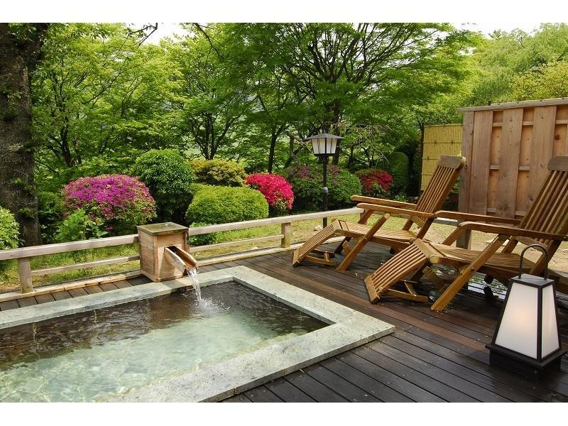 Detached Japanese-style Room with Open-air Bath & Cypress Indoor Bath