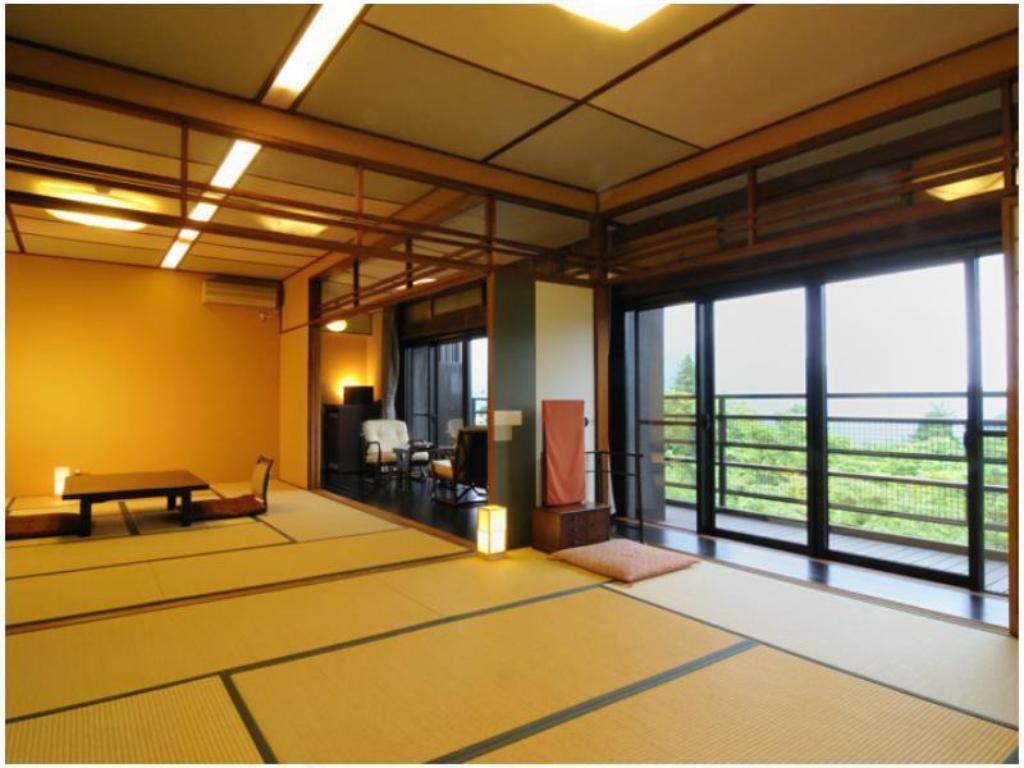 Japanese-style Suite with Indoor Hot Spring Bath - Guestroom