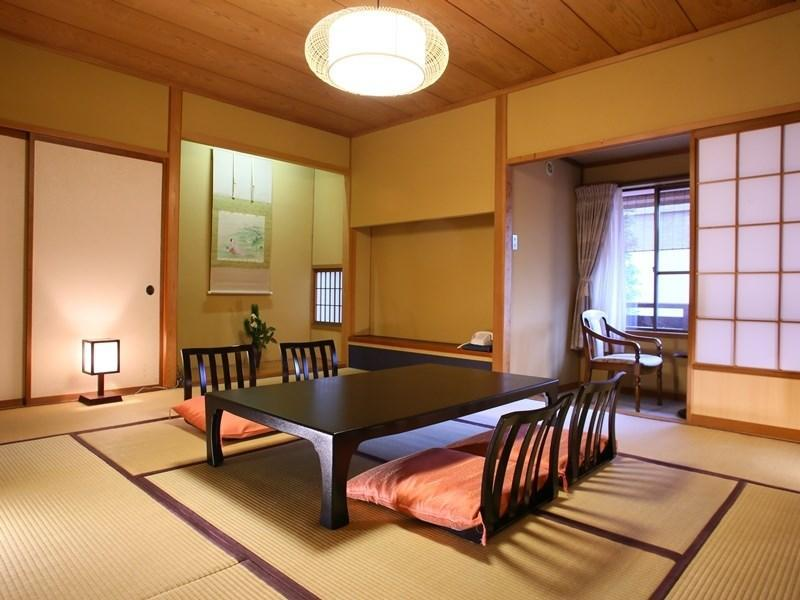 Japanese-style Room with Indoor Cypress Hot Spring