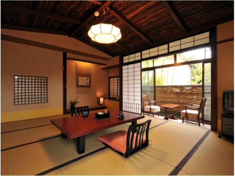 Japanese/Western-style Twin Room with Indoor Hot Spring Bath