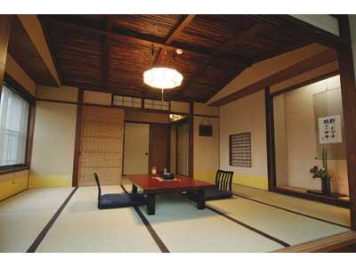 梅の棟 和室10畳+次の間 (Japanese-style Room (Ume-no-To Wing))