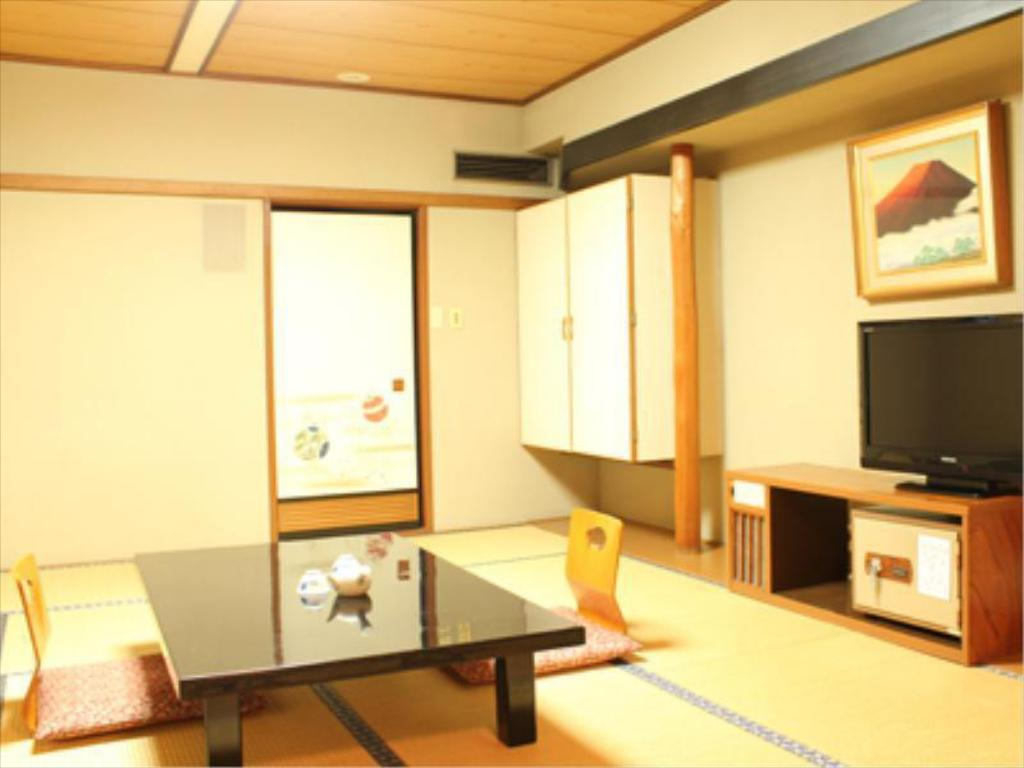 Japanese-style Room (Main Building) *No bath in room - ห้องพัก