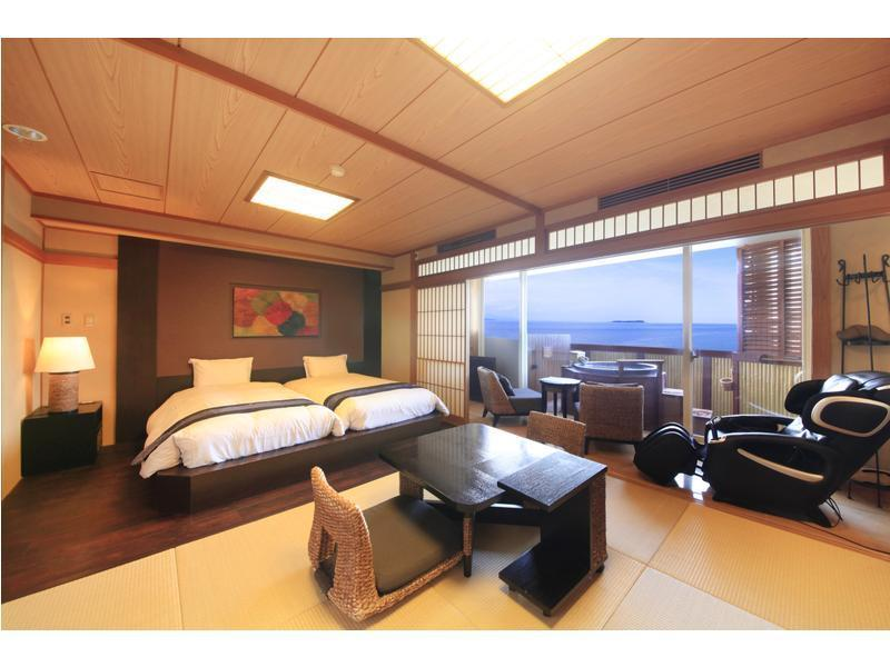 Japanese/Western-style Hollywood Twin Room with Open-air Bath (2 Beds)