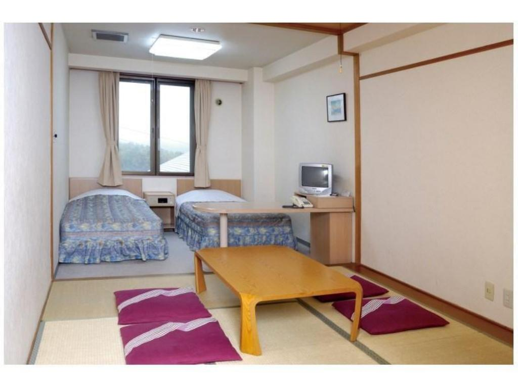 Japanese Western Style Room - Guestroom Hotel Tagawa