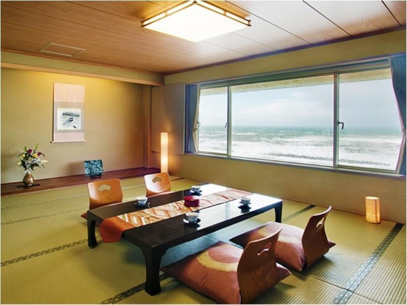 Japanese-style Twin Room (14 tatami or 16 tatami + Twin Beds)