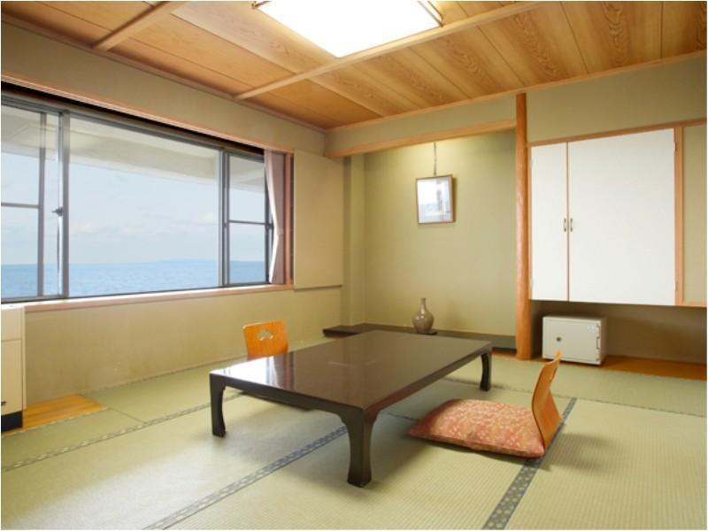 Japanese-style Room (10 tatami, Top Floor)