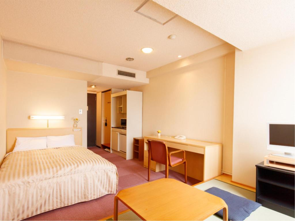 Double Room with Tatami Space - Guestroom