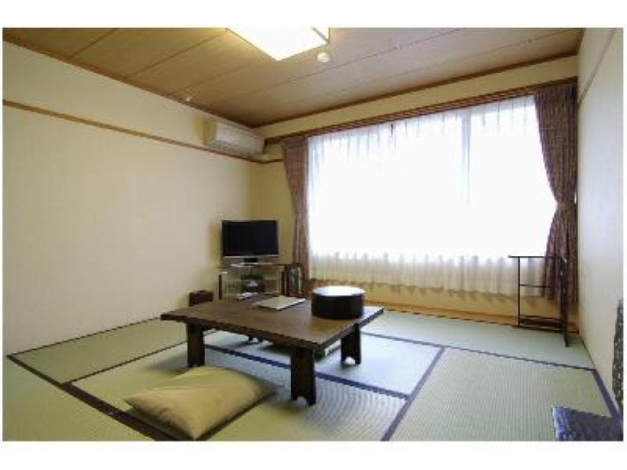 Japanese-style Room (Kinugasa Type) *No bath or toilet in room