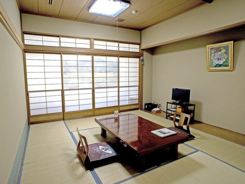 和室|10畳+次の間2畳+踏込 (Japanese-style Room (Main Building) *Has toilet)