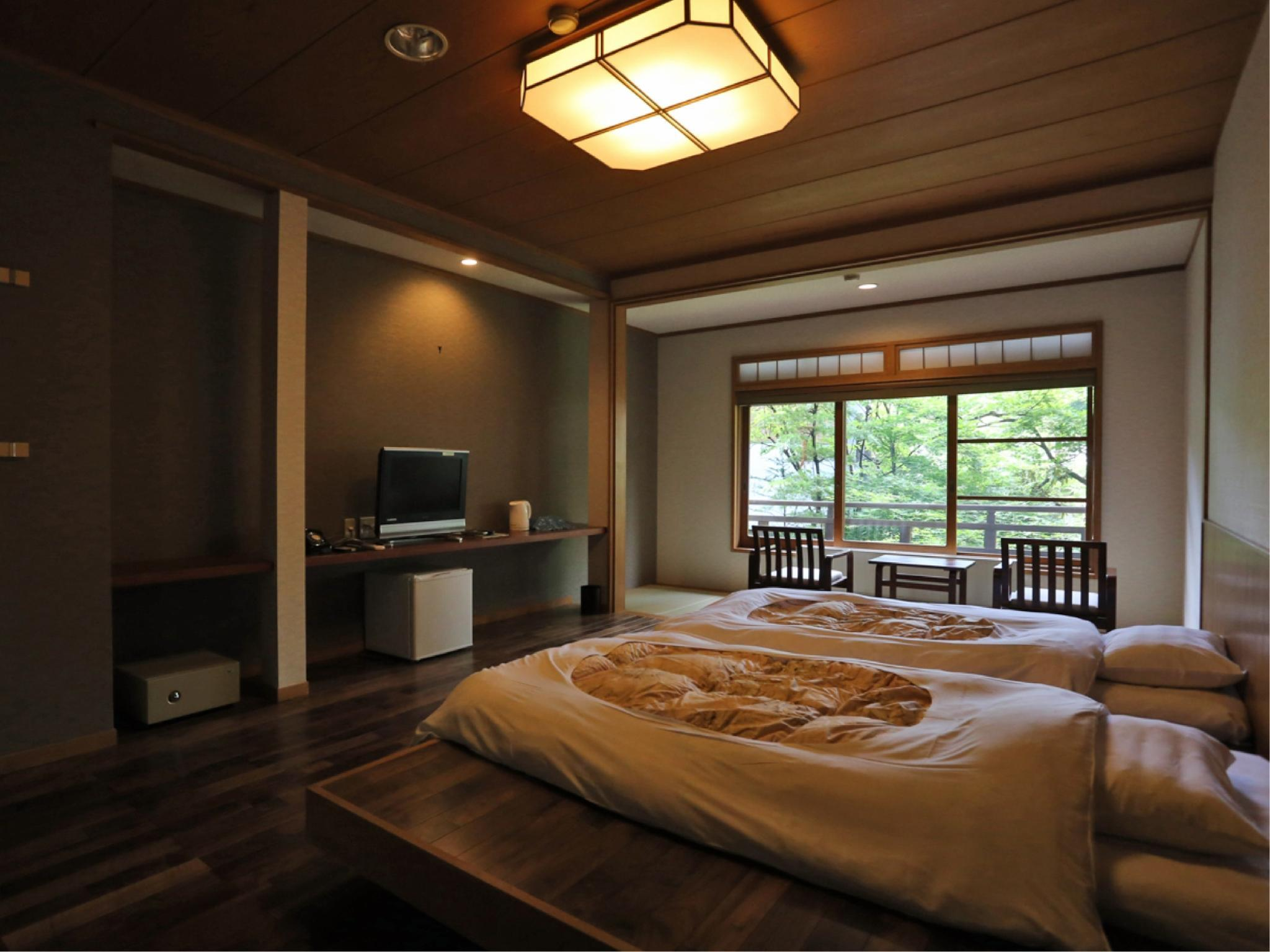 Superior Japanese/Western-style Room with 2 Beds (Main Building)