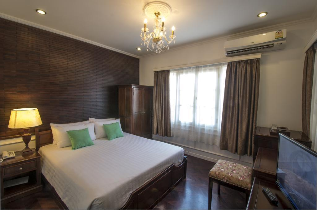 Standard Double Bed - Bed Le Bouton Dor Boutique Hotel